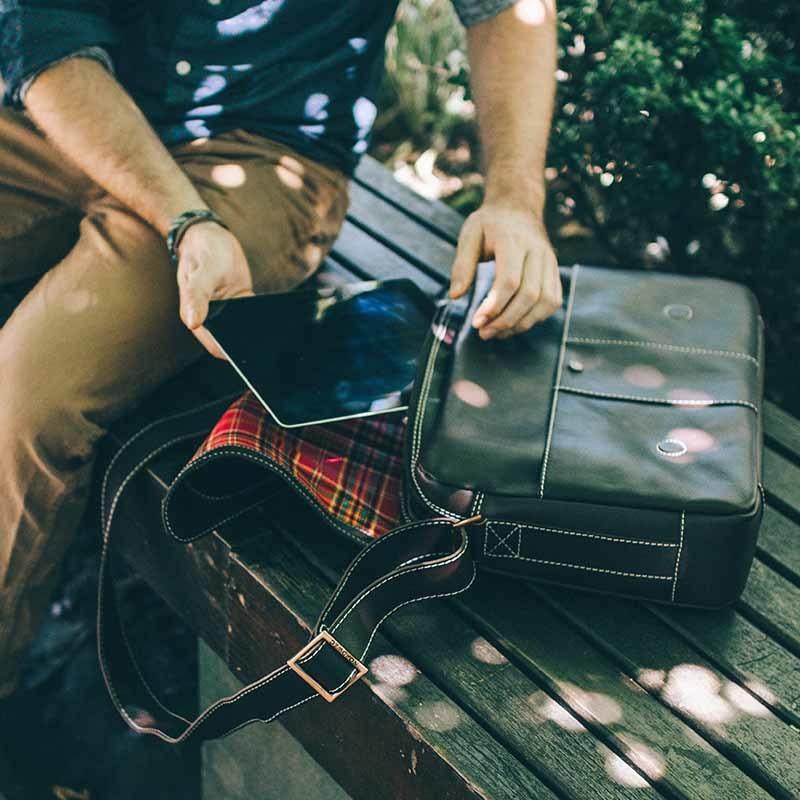 Bolsa masculina de couro para notebook City NW068 Ipad